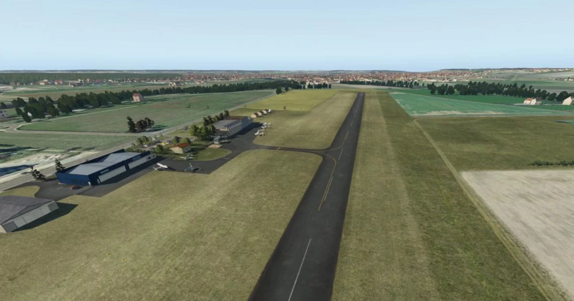 Chatellerault airfield Freeware X-Plane 11
